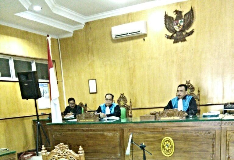 Sidang TUN  2017-04-03 at 22.15.47 feature